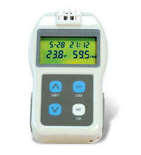 Pocket Size Temperature/Humidity Handheld Data Logger | RH32